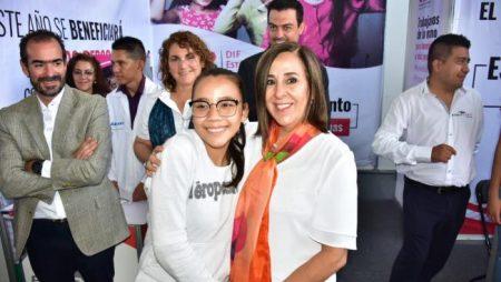 """Con el programa """"Para Ver Más Sonrisas, Prosperemos Juntos""""."""